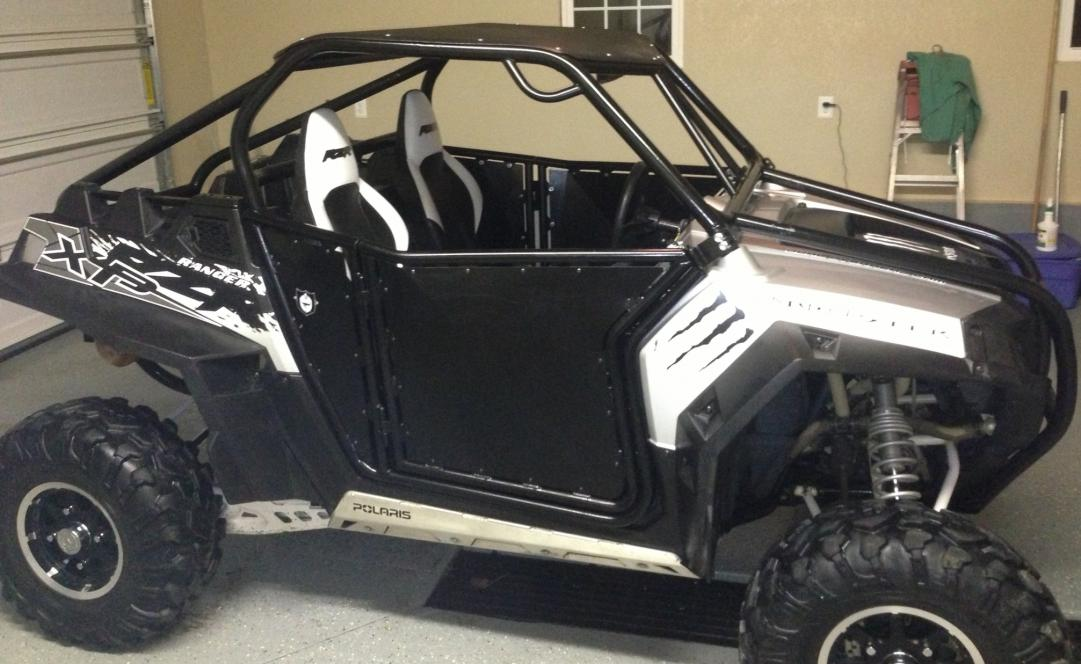 My 900xp with Custom Cage - Can-Am Commander Forum