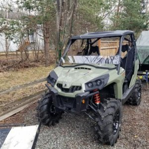 "Put 2.5"" SuperATV bracket lift, 30"" ITP Cryptic tires, Can Am Sport roof, Can Am Soft rear window, Kolpin 1/2 windshield more goodness to co"